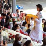 Etnis Tionghoa Bawa Baki Bendera Pusaka di Istana Negara