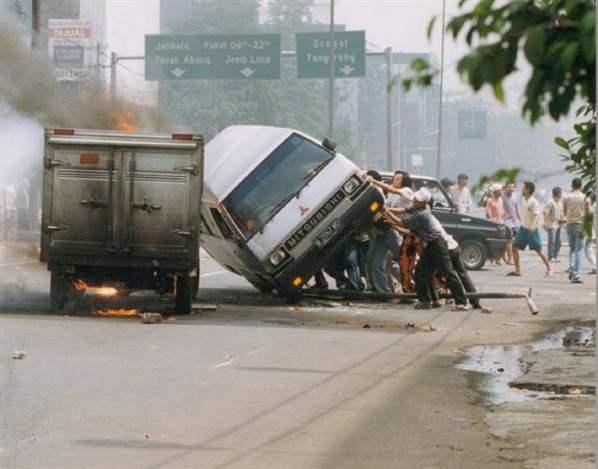 kerusuhan mei 1998 jakarta