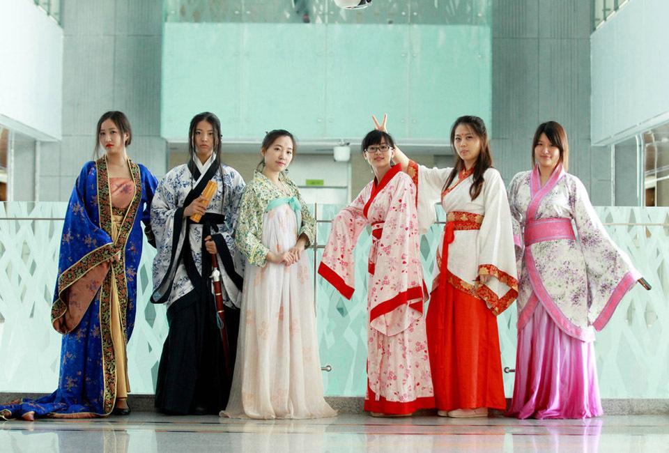 busana-hanfu-modern