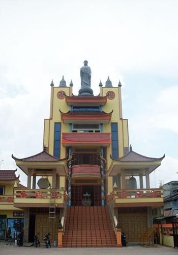 Tampak foto depan Vihara Tri Ratna – Tanjung Balai – Sumatera Utara