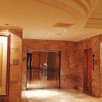 Tips Menginap di Hotel Berhantu (Yang Suka Berwisata Seorang Diri Wajib Baca!)